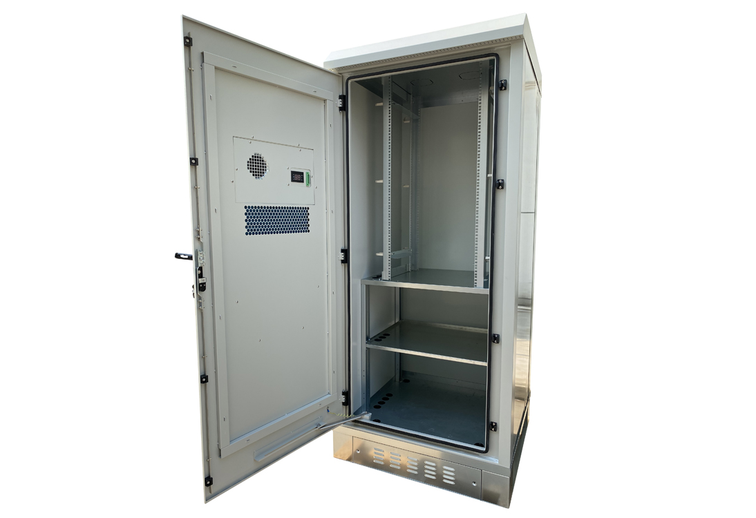 [:en]32RU 900mm Wide x 900mm Deep OUTDOOR Integrated Cabinet (22U Equipment Space and Battery Storage Space) with AC1000W Air Conditioner Mounted on the Front Door IP55 Rated|Grey[:zh]900mmx900x1325户外一体化机柜[:]